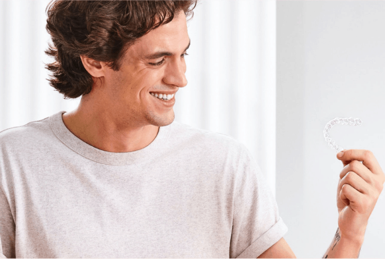 Candid vs Invisalign: Which Clear Teeth Aligner Is A Better Choice?